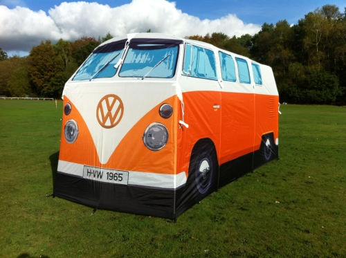 Oranje versie van Camperbus tent