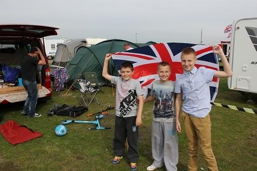 Britse motorsportfans massaal op camping Assen