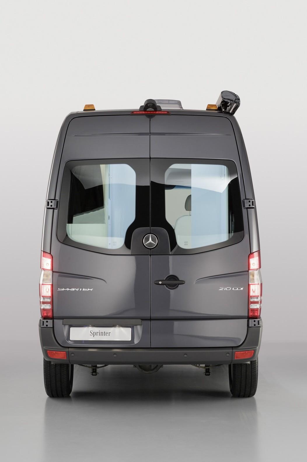 Mercedes-Sprinter-Caravan-Concept-5[3]