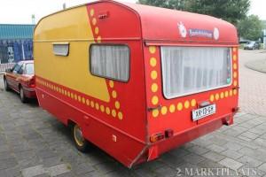 Caravan en auto van Bassie en Adriaan te verkrijgen