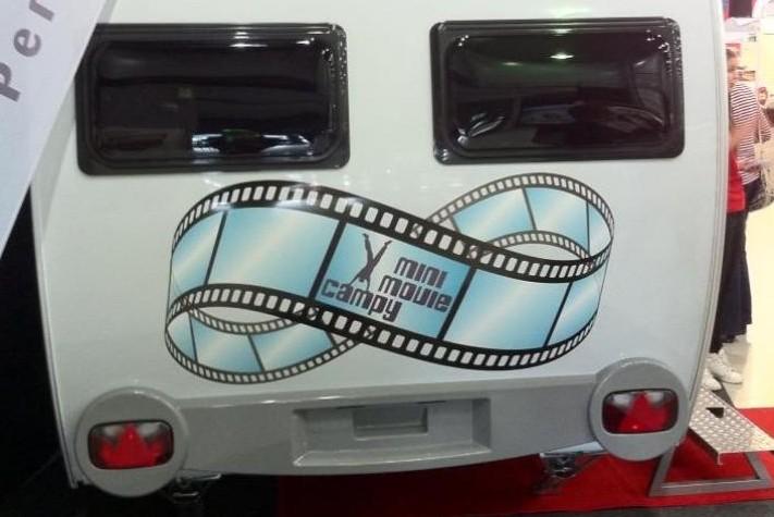 Mini-movie Campy: Dethleffs nieuwe kijk op de drive-in bioscoop