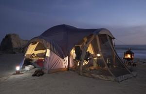 Beach camping iStock_000005982093Medium 300dpi