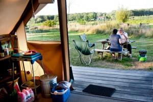 Huttopia opent reisbureau voor campings in Nederland
