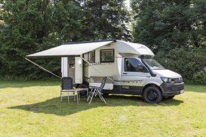 Compacte halfintegraal camper van Woelcke op VW T6 basis