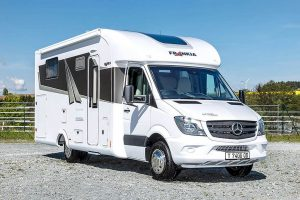 Frankia bouwt halfintegraal camper op Mercedes Sprinter
