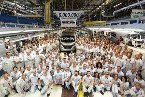 Het 6 miljoenste voertuig uit Fiat Ducato fabriek