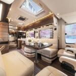 interieur van de Concorde Liner camper