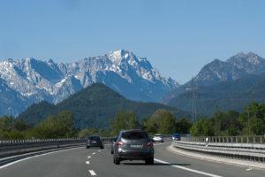 Toeristen bij Oostenrijkse plaatsen Vils en Reutte verplicht op de snelweg