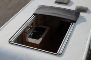 LMC test caravan met vouwdak