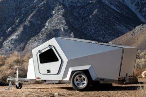 Polydrop maakt speciale campingtrailer voor elektrische auto's