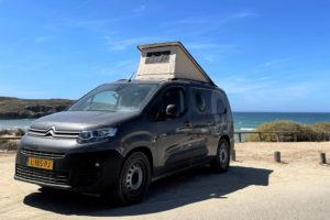 Compacte elektrische buscamper van Outbase Campervans